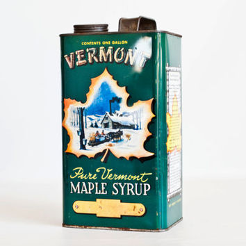 Vintage LARGE Vermont Maple Syrup Tin, Gallon Size 1950s Syrup Canister, Vintage Shop Staging Prop