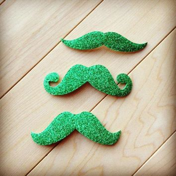 25  Adhesive Green Glitter St Patricks Day Die Cut Foam Mustache Stickers Holiday Family Photo Booth Props Leprechaun Moustache