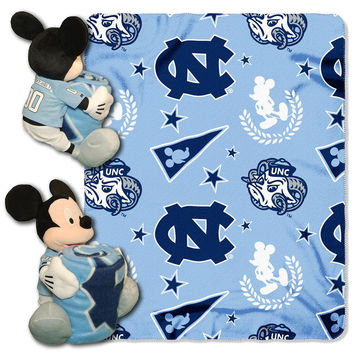 North Carolina Tar Heels NCAA Mickey Mouse with Throw Combo