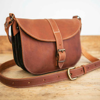 MESSENGER BAG // Brown leather bag // Satchel Leather handbag // Medium-sized leather tote bag // Leather Tote // coach leather bag purse