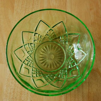 Green Depression Glass Bowl, Hazel Atlas Diamond Arch 8 Inch Serving Bowl, Uranium Glass