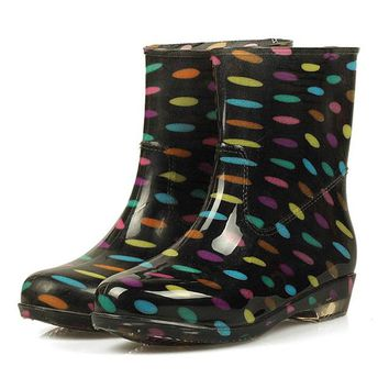 Tangnest 2017 Fashion Woman Colorful Rubber Rain boots