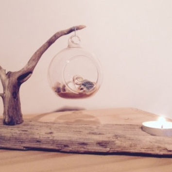 Driftwood tealight holder with glass globe, shells and sand