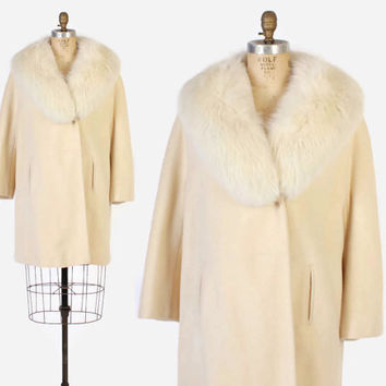 Vintage 60s COAT / 1960s Soft Ivory Wool Winter Coat Arctic Fox Fur Trim L