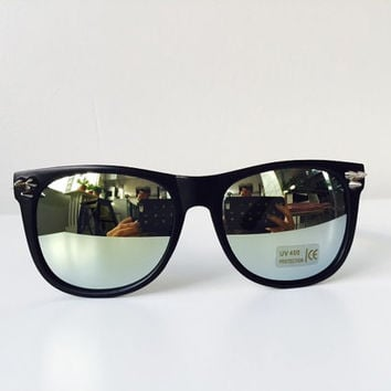 Designers Black Mirrored Fashion Spiked Wayfarer Sunglasses Elegant Fit To Your Style Unisex Design