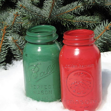Vintage painted distressed mason jars Red and Green set of 2 quart size Christmas Decor