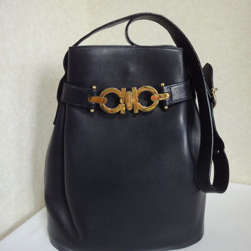 Vintage Salvatore Ferragamo navy leather shoulder bag with ganci. endappi  authentic designer vintages f861604d84745