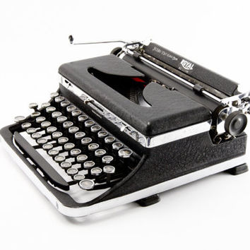 Reconditioned Royal De Luxe Typewriter - Working Typewriter - Royal De Luxe - Superb Condition
