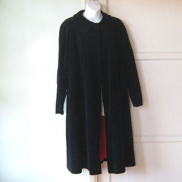 Midcentury Vintage Black Velveteen Coat; Peter Pan Collar - Small, Midi-Length Black Cloak for Evening/Day - Witch/Gypsy/Puritan Costume