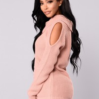 Lola Cold Shoulder Sweater - Pink
