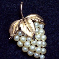 Vintage Crown Trifari Pearl Grape Cluster Brooch