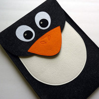 MacBook Pro 13 inch sleeve  Penguin in designer felt by BoutiqueID