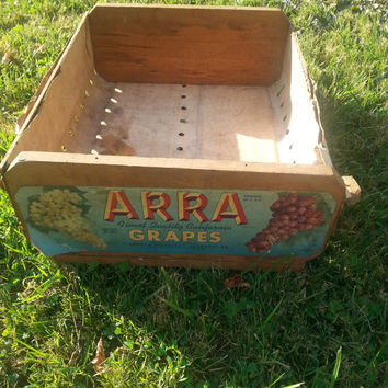 Vintage Wood Primitive Giumarra Vineyards Corporation Arra Grapes Crate