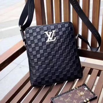 LV Louis Vuitton MEN'S LEATHER CROSS BODY BAG