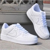 NIKE Trending Fashion Casual Sports Shoes White
