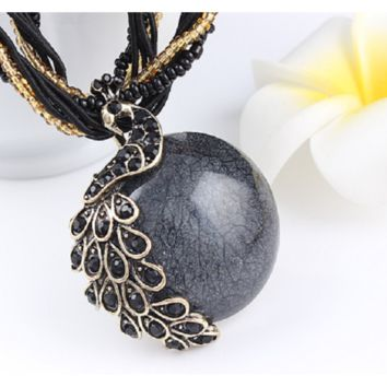 Peacock decoration rough clavicle short chain Turquoise stone pendant necklaces