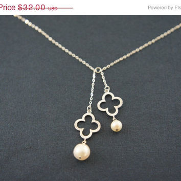 10% OFF Silver clover dangling necklace with pearl, gift, lucky, wedding, valentine's day