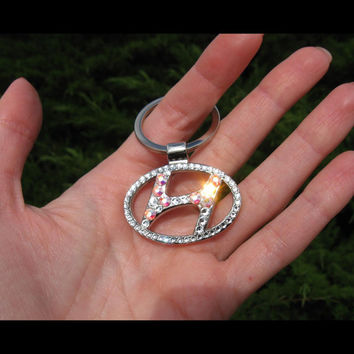 Has video! Hyundai Keychain keyring  Encrusted In genuine Swarovski Element Stones Handmade