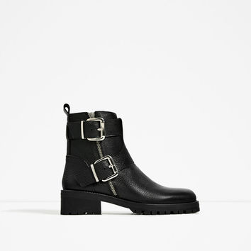 LEATHER ANKLE BOOTS WITH BUCKLES DETAILS