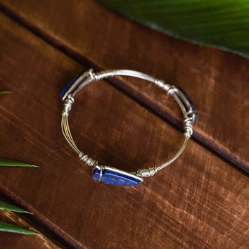 After The Rain Multi Natural Stone Wire Detail Bracelet (Silver/Navy)