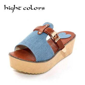 2018 New Styles Women Sandals And Slippers Flip Flop Fashion Platform Beach Slippers Wedeges High Heels Shoes Big Size 40-43