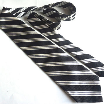 Vintage Silk Tie,BROOKS BROTHERS MAKERs Tie, Repp Regimental Stripe Tie,Black and White Tie,Woven in England,Made in USA,Mens BusinessTies