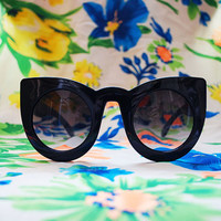 The Kitty | Vintage Black Oversized Round Cateye Sunglasses 80s 90s Retro Glasses