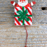 pop up action Christmas pin santa brooch
