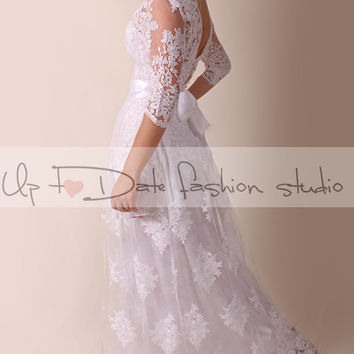 Lace Plus Size / V neck bаck /long wedding party/reception dress / lace / Bridal Gown 3/4 sleeve