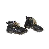 vintage DOC martens 90s GRUNGE black leather + yellow laces lace up dr marten boots size 7