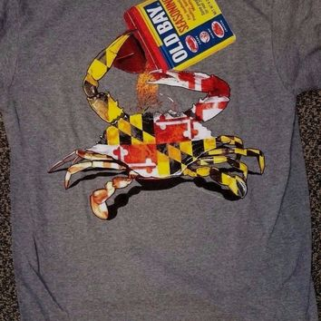 New MARYLAND  OLD BAY  CRAB   T  SHIRT  CRAB DRINKING OLD BAY OPEN CAN