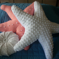 Snowy white chenille pops starfish pillow, nautical pillow, sealife, coastal living, seashore, upcycled chenille pillow, seaside decor