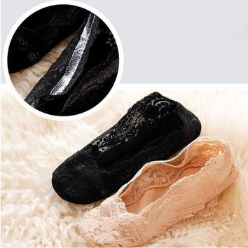 1 pair New Korean women sexy elastic cotton lace antiskid invisible low cut socks for girl calcetines mujer