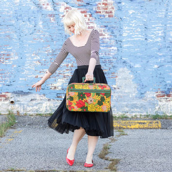 vintage floral suitcase / large weekender bag weekend bag / overnight bag / small suitcase / carry on luggage / retro suitcase old suitcase