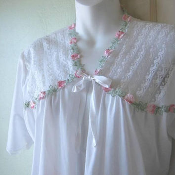 Sweet Vintage White Bedjacket with Pink & Green Flower Appliques and Sheer Lacy Top; Women's Medium Pin-Up/Honeymoon/Delicate Bedjacket