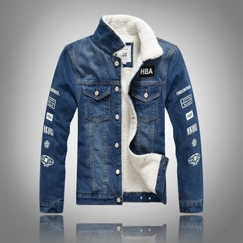Trendy YuWaiJiaRen Winter Fashion Denim Jacket Men Fur Collar Plus Velvet Letter Print Fleece Thick Warm Casual Men's Jeans Coat AT_94_13