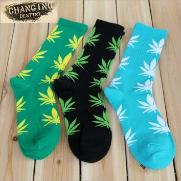 Germany's Harajuku Hiphop Men's Maple Leaf Socks Cotton Hose Long Skateboard Hip-hop Socks for Male