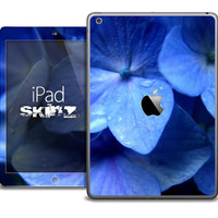 The Blue Hydrangea Floral V1 Skin for the iPad Air, iPad Mini, iPad 1st, 2nd, 3rd or 4th Generation