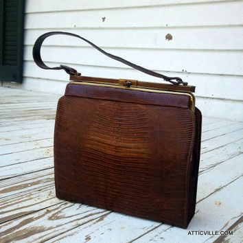 Vintage brown Lizard skin handbag purse. Kelly bag in Excellent condition.