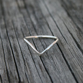 Simply Chevron Ring - Dainty Thin & sleek Stackable Stacking Rings