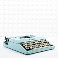 Vintage Imperial 200 Typewriter in Pastel Blue - Urban Outfitters