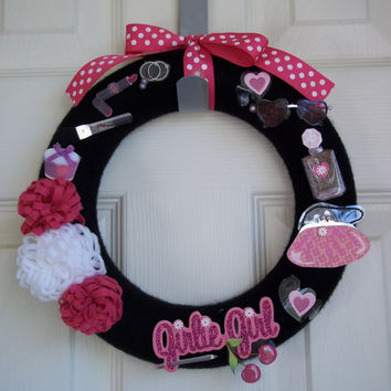 Girly Girl Yarn Wreath