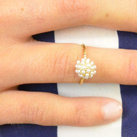 Castle Garden Of Pearls II Mid Finger Gold Ring