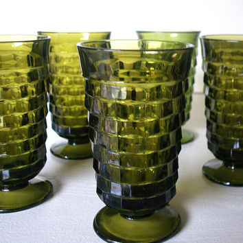 60s VINTAGE AVACADO GREEN Mid Century Drinking Glass Set of Seven (7) Lovely Cut Glass Footed Pedestal Glassware 1960's Olive Green Tumblers