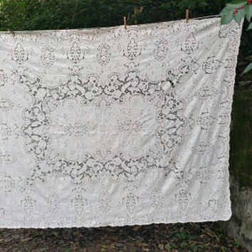 Vintage Quaker Lace Tablecloth Pattern 1380 Rose Floral