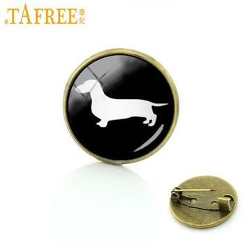 TAFREE Best Deals Ever dog silhouette brooches supernatural hunter hound metal pin Limited Romantic Dachshund Horse jewelry T354