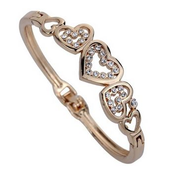 Cute Rose Gold Colored Clasp Heart Shaped Bracelet
