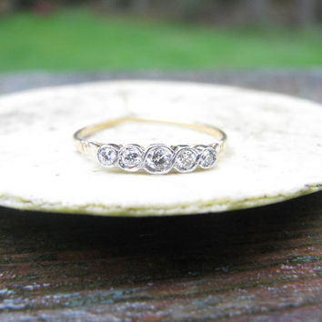 Elegant Edwardian to Art Deco 18K Gold Diamond Band Ring - 5 Fiery Old European Cut Diamonds - Perfect Wedding Band or Stacking Ring