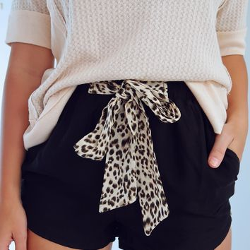She's Stealing Hearts Shorts: Black/Multi