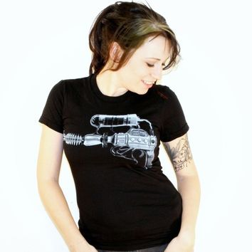 Womens Steampunk RAYGUN tshirt American by darkcycleclothing